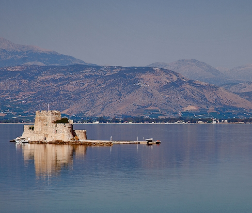THE ARCHAEOLOGICAL SITES AND MONUMENTS OF NAFPLIO